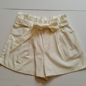 Zara TRF Medium Lace Tie White Shorts Stretch